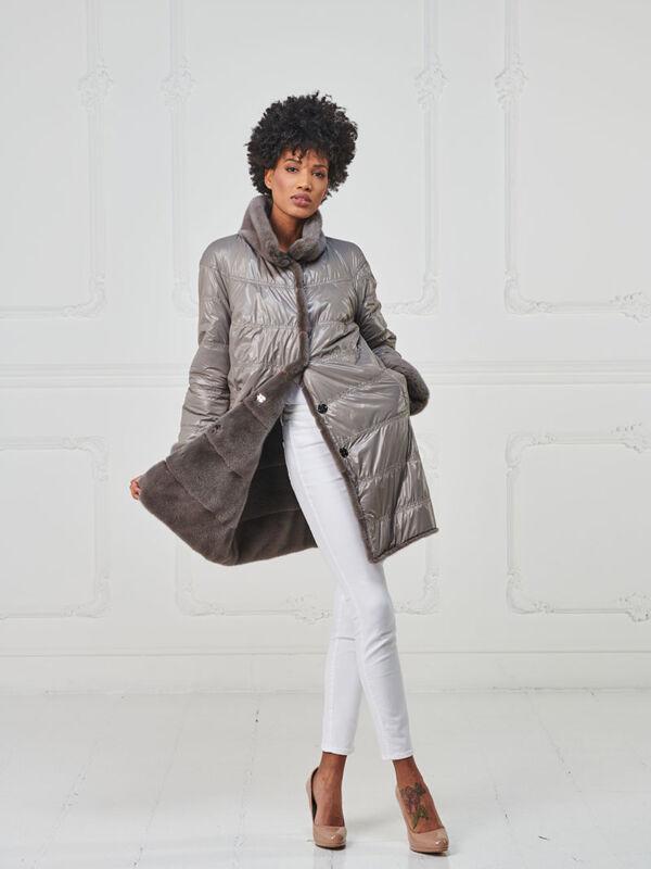30 – Cappotto in visone cashmere double face esterno in piumino impermeabile.