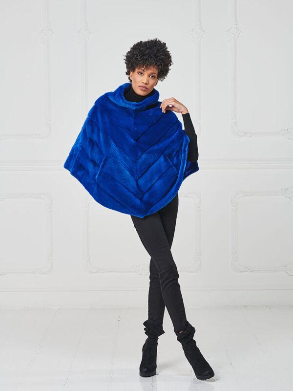 37 – Mantella in visone blue Royal, lavorazione in diagonale.