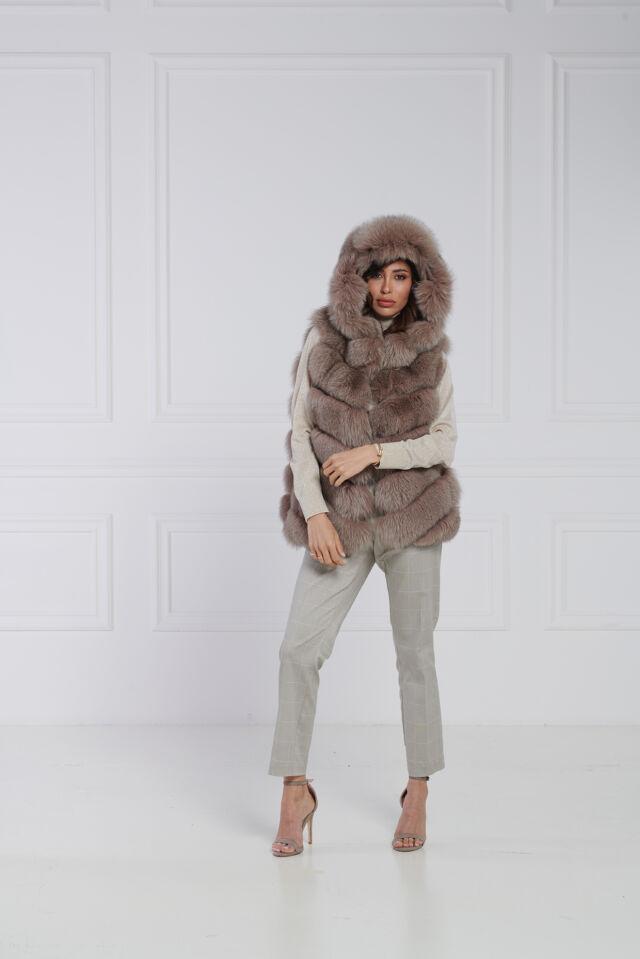 53 / Gilet volpe cashmere con cappuccio lavorazione diagonale