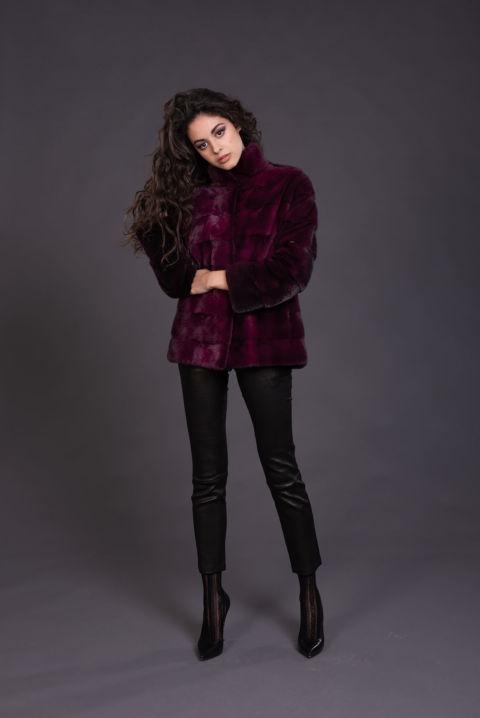 46 – Cappottino in visone purple degradè.