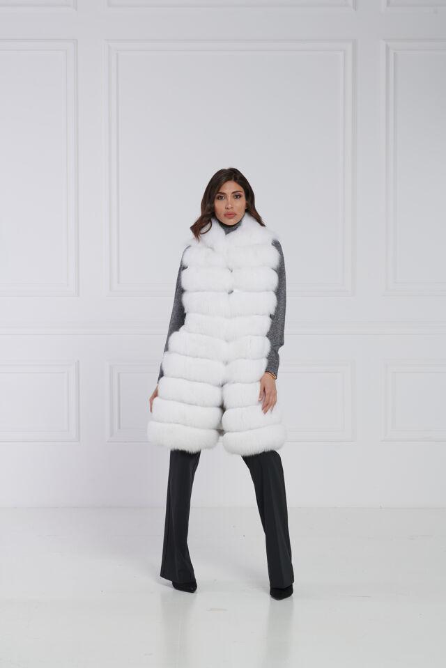 03 / Gilet in volpe bianca e xiangao, dettaglio borchie